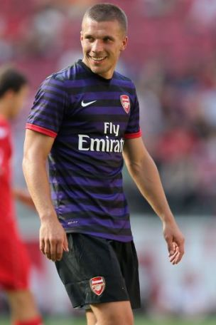 buy popular 9f3da 6fa99 Can Podolski break the curse of the number 9 shirt?