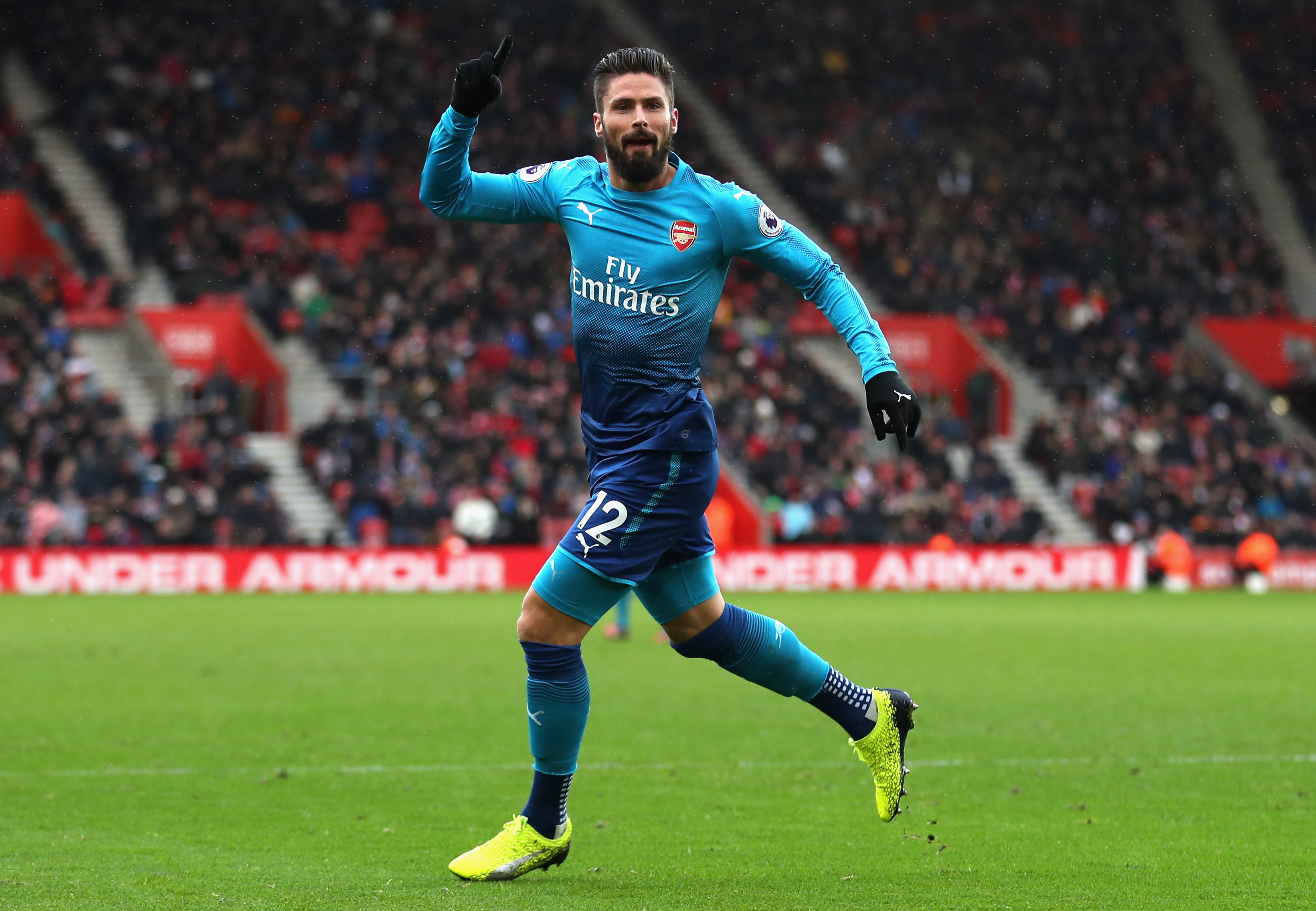 Giroud comes to Arsenal's rescue in draw with Southampton